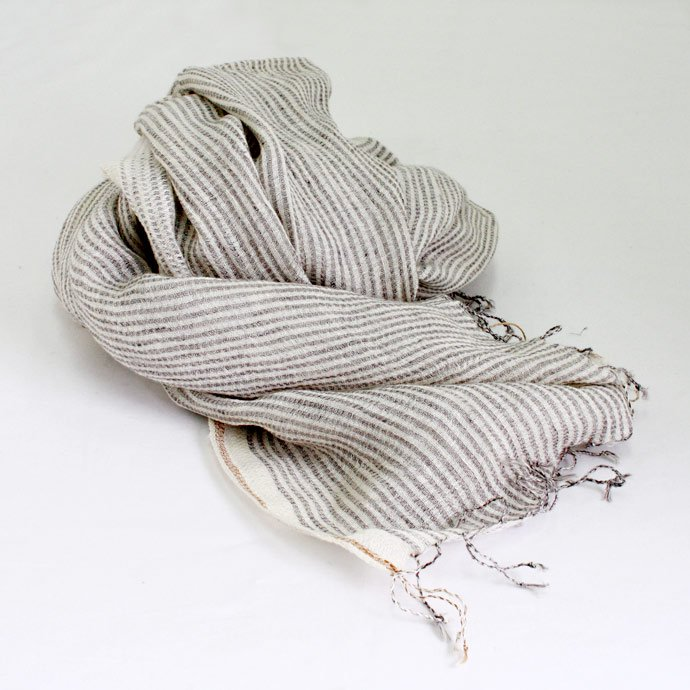 Other Brands Khadi Linen Stripe Stole - Grey Stripe<img class='new_mark_img2' src='//img.shop-pro.jp/img/new/icons47.gif' style='border:none;display:inline;margin:0px;padding:0px;width:auto;' /> 01