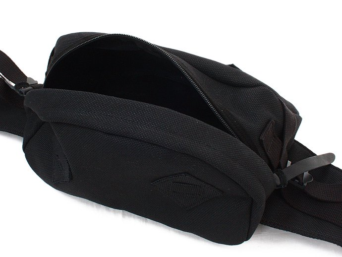 33731308 This is... / Canvas Waist Bag - Black<img class='new_mark_img2' src='//img.shop-pro.jp/img/new/icons47.gif' style='border:none;display:inline;margin:0px;padding:0px;width:auto;' /> 02
