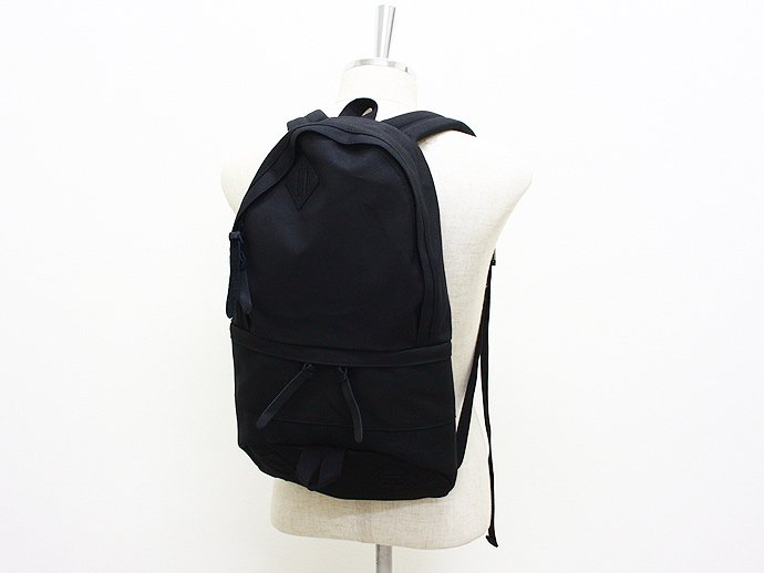 33820220 This is... / Canvas Daypack - Black<img class='new_mark_img2' src='//img.shop-pro.jp/img/new/icons47.gif' style='border:none;display:inline;margin:0px;padding:0px;width:auto;' /> 02