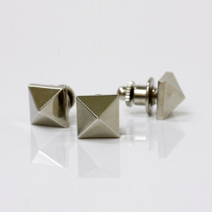 33884911 sinc / Pyramid Studs Pins - Silver<img class='new_mark_img2' src='//img.shop-pro.jp/img/new/icons47.gif' style='border:none;display:inline;margin:0px;padding:0px;width:auto;' /> 01