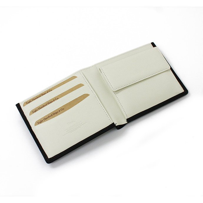 This is... Bridle Leather Bi-Color Short Wallet - White<img class='new_mark_img2' src='//img.shop-pro.jp/img/new/icons47.gif' style='border:none;display:inline;margin:0px;padding:0px;width:auto;' /> 01