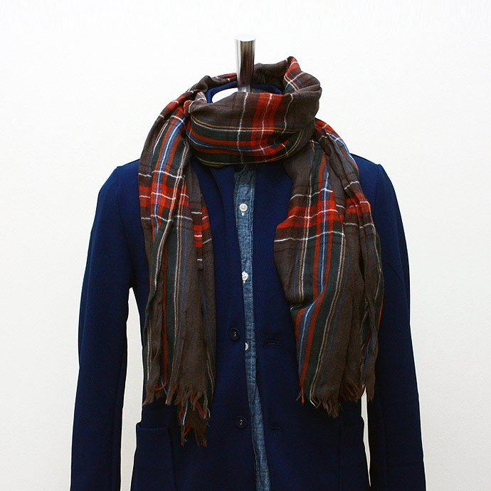 Other Brands erfurt / Tartan Scarf - Black<img class='new_mark_img2' src='//img.shop-pro.jp/img/new/icons47.gif' style='border:none;display:inline;margin:0px;padding:0px;width:auto;' /> 01
