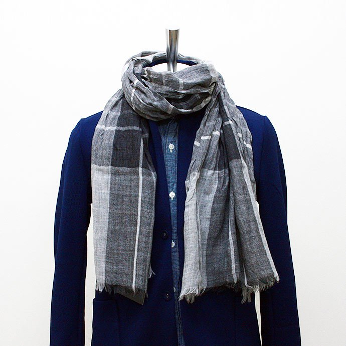 Other Brands erfurt / Tartan Scarf - Grey<img class='new_mark_img2' src='//img.shop-pro.jp/img/new/icons47.gif' style='border:none;display:inline;margin:0px;padding:0px;width:auto;' /> 01