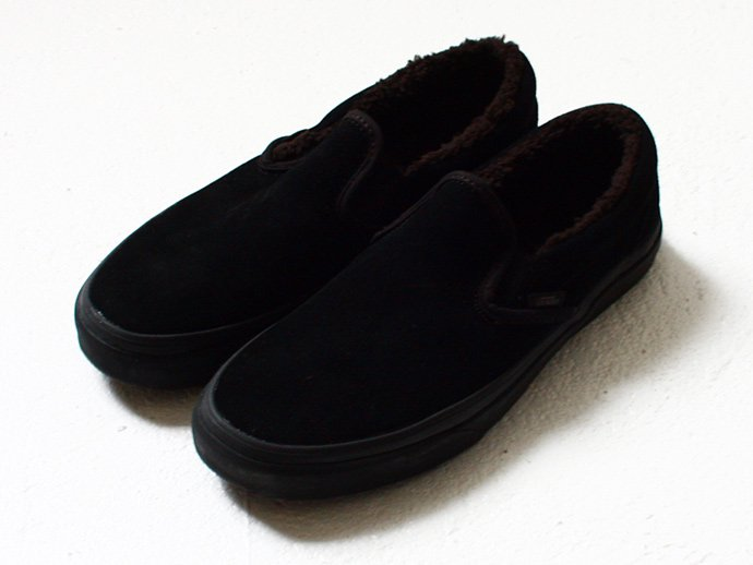 VANS Classic Slip-On Sherpa - Black / Black<img class='new_mark_img2' src='//img.shop-pro.jp/img/new/icons47.gif' style='border:none;display:inline;margin:0px;padding:0px;width:auto;' /> 02