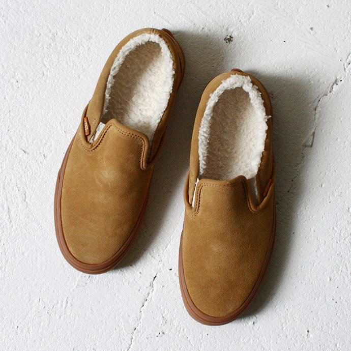 35731688 VANS / Classic Slip-On Sherpa - Tan / Medium Gum<img class='new_mark_img2' src='//img.shop-pro.jp/img/new/icons47.gif' style='border:none;display:inline;margin:0px;padding:0px;width:auto;' /> 01