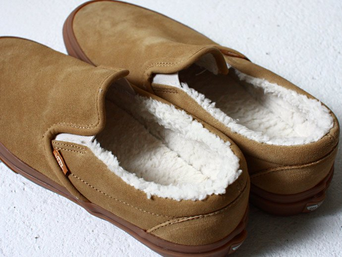 35731688 VANS / Classic Slip-On Sherpa - Tan / Medium Gum<img class='new_mark_img2' src='//img.shop-pro.jp/img/new/icons47.gif' style='border:none;display:inline;margin:0px;padding:0px;width:auto;' /> 02