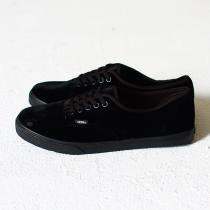 VANS Authentic Lo Pro Velvet - Black<img class='new_mark_img2' src='//img.shop-pro.jp/img/new/icons47.gif' style='border:none;display:inline;margin:0px;padding:0px;width:auto;' />