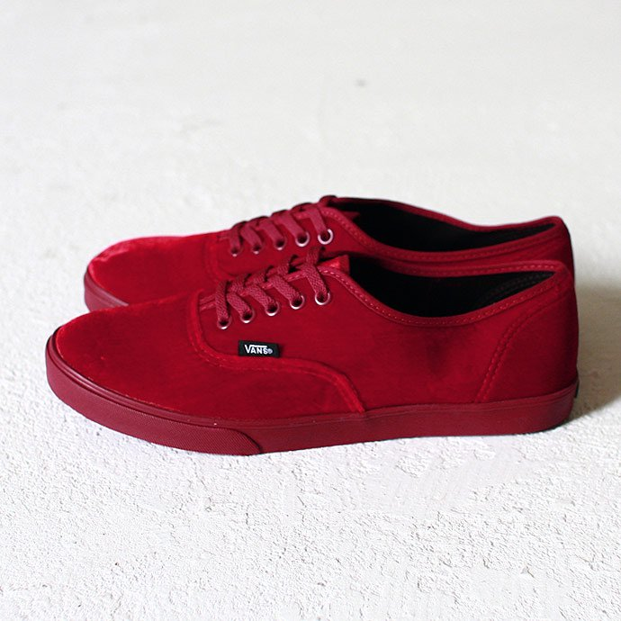 VANS Authentic Lo Pro Velvet - Rhododendron<img class='new_mark_img2' src='//img.shop-pro.jp/img/new/icons47.gif' style='border:none;display:inline;margin:0px;padding:0px;width:auto;' /> 01