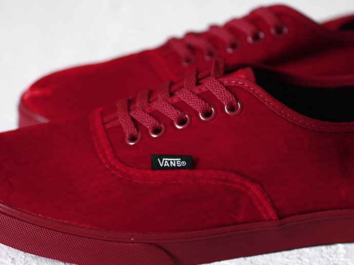 VANS Authentic Lo Pro Velvet - Rhododendron<img class='new_mark_img2' src='//img.shop-pro.jp/img/new/icons47.gif' style='border:none;display:inline;margin:0px;padding:0px;width:auto;' /> 02