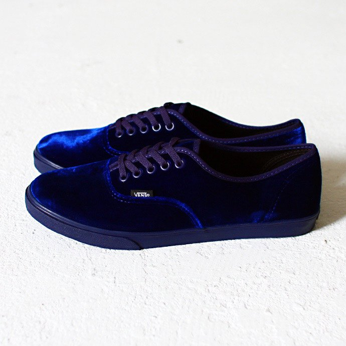 36794343 VANS / Authentic Lo Pro Velvet - Astral Aura<img class='new_mark_img2' src='//img.shop-pro.jp/img/new/icons47.gif' style='border:none;display:inline;margin:0px;padding:0px;width:auto;' /> 01