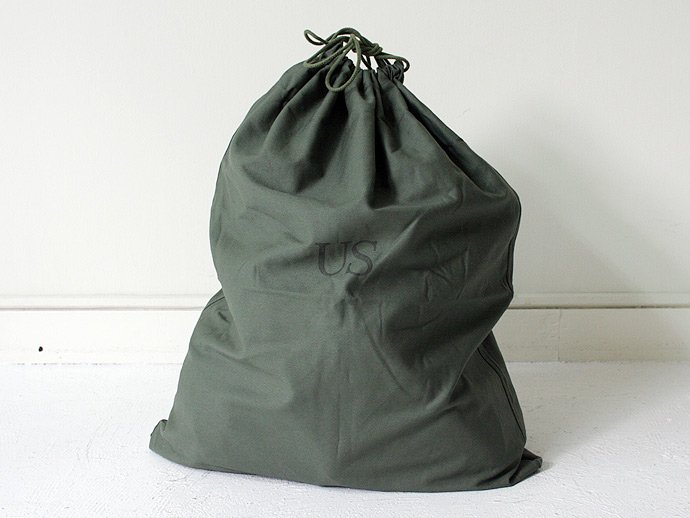 41460106 Deadstock U.S. ARMY Laundry Bag<img class='new_mark_img2' src='//img.shop-pro.jp/img/new/icons47.gif' style='border:none;display:inline;margin:0px;padding:0px;width:auto;' /> 02