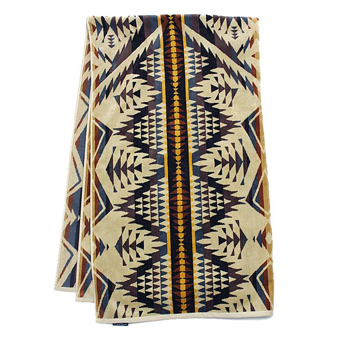 PENDLETON Oversized Jacquard Towel - Diamond Desert<img class='new_mark_img2' src='//img.shop-pro.jp/img/new/icons47.gif' style='border:none;display:inline;margin:0px;padding:0px;width:auto;' /> 01