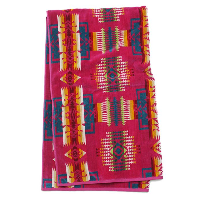 PENDLETON Oversized Jacquard Towel - Chief Joseph, Cherry<img class='new_mark_img2' src='//img.shop-pro.jp/img/new/icons47.gif' style='border:none;display:inline;margin:0px;padding:0px;width:auto;' /> 01