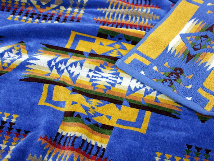 PENDLETON Oversized Jacquard Towel - Chief Joseph, Denim<img class='new_mark_img2' src='//img.shop-pro.jp/img/new/icons47.gif' style='border:none;display:inline;margin:0px;padding:0px;width:auto;' /> 02