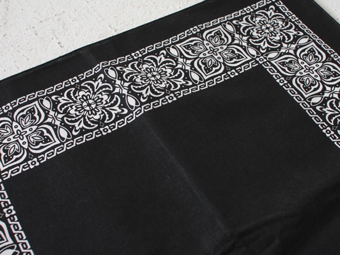Other Brands HAV-A-HANK / Open Center Bandana - Black(ハバハンク オープンセンターバンダナ ブラック) <img class='new_mark_img2' src='//img.shop-pro.jp/img/new/icons47.gif' style='border:none;display:inline;margin:0px;padding:0px;width:auto;' /> 02