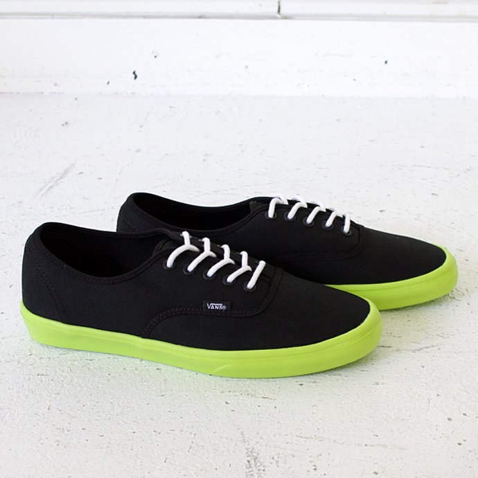 VANS Authentic Lite - Black/Neon Yellow<img class='new_mark_img2' src='//img.shop-pro.jp/img/new/icons47.gif' style='border:none;display:inline;margin:0px;padding:0px;width:auto;' /> 01