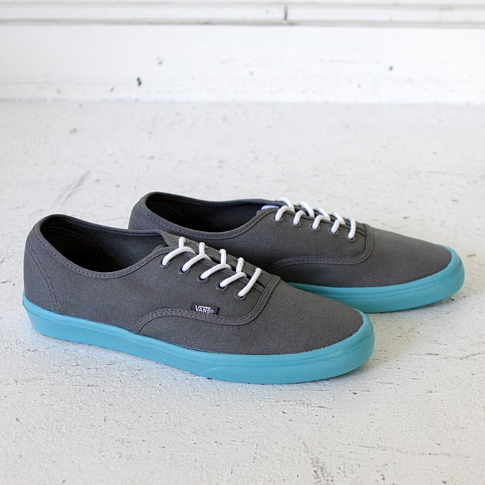 VANS Authentic Lite - Pewter/Scuba Blue<img class='new_mark_img2' src='//img.shop-pro.jp/img/new/icons47.gif' style='border:none;display:inline;margin:0px;padding:0px;width:auto;' /> 01