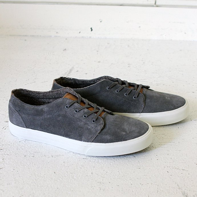VANS 106 Vulcanized CA - Suede Charcoal Grey<img class='new_mark_img2' src='//img.shop-pro.jp/img/new/icons47.gif' style='border:none;display:inline;margin:0px;padding:0px;width:auto;' /> 01