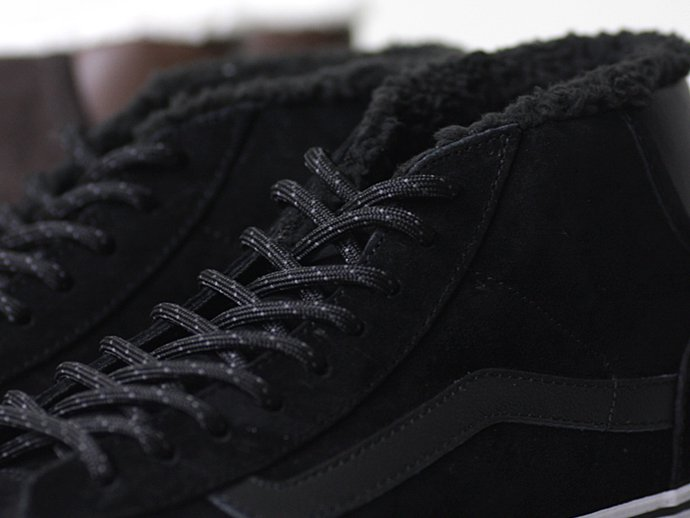 VANS Mid Skool '77 Pig Suede/Fleece Lining - Black<img class='new_mark_img2' src='//img.shop-pro.jp/img/new/icons47.gif' style='border:none;display:inline;margin:0px;padding:0px;width:auto;' /> 02
