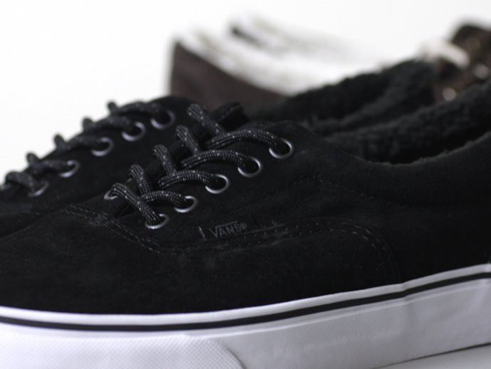VANS Era Pig Suede/Fleece Lining - Black<img class='new_mark_img2' src='//img.shop-pro.jp/img/new/icons47.gif' style='border:none;display:inline;margin:0px;padding:0px;width:auto;' /> 02