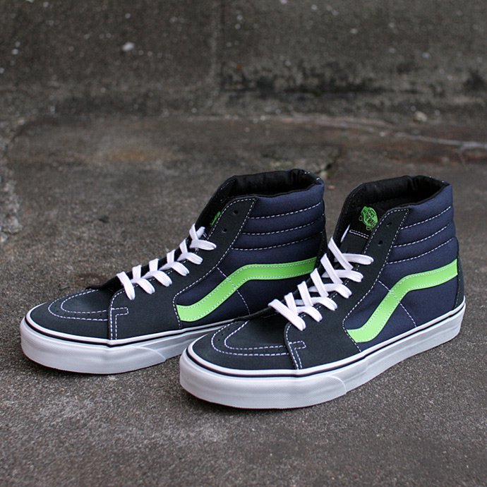VANS Suede/Canvas Sk8-Hi - Dark Shadow/Green Flash<img class='new_mark_img2' src='//img.shop-pro.jp/img/new/icons47.gif' style='border:none;display:inline;margin:0px;padding:0px;width:auto;' /> 01