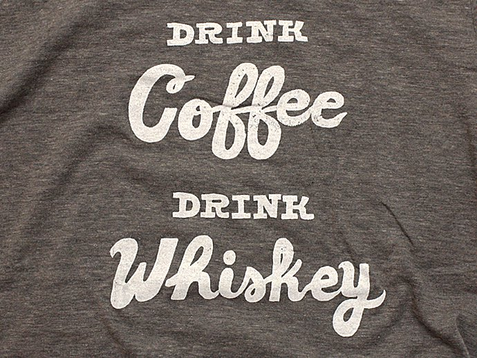 Other Brands Will Bryant / Drink Coffee, Drink Whiskey Tシャツ<img class='new_mark_img2' src='//img.shop-pro.jp/img/new/icons47.gif' style='border:none;display:inline;margin:0px;padding:0px;width:auto;' /> 02