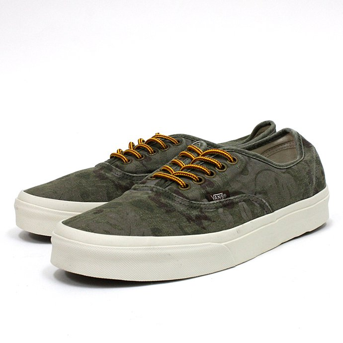 VANS Floral Camo Authentic CA<img class='new_mark_img2' src='//img.shop-pro.jp/img/new/icons47.gif' style='border:none;display:inline;margin:0px;padding:0px;width:auto;' />