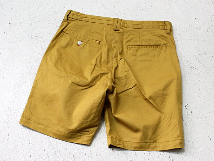 STILL BY HAND ストレッチツイル ショートパンツ - Mustard<img class='new_mark_img2' src='//img.shop-pro.jp/img/new/icons47.gif' style='border:none;display:inline;margin:0px;padding:0px;width:auto;' /> 02