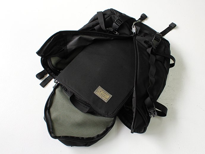 "MYSTERY RANCH SPADELOCK LAPTOP CASE 15"" スペードロック・ラップトップケース 15インチPC用 - Black/Coyote <img class='new_mark_img2' src='//img.shop-pro.jp/img/new/icons47.gif' style='border:none;display:inline;margin:0px;padding:0px;width:auto;' /> 02"
