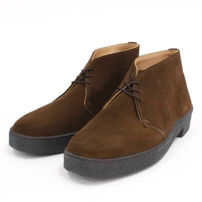 Tricker's 3 Eyelet Mudguard Chukka Boot - Snuff Suede<img class='new_mark_img2' src='//img.shop-pro.jp/img/new/icons47.gif' style='border:none;display:inline;margin:0px;padding:0px;width:auto;' /> 01