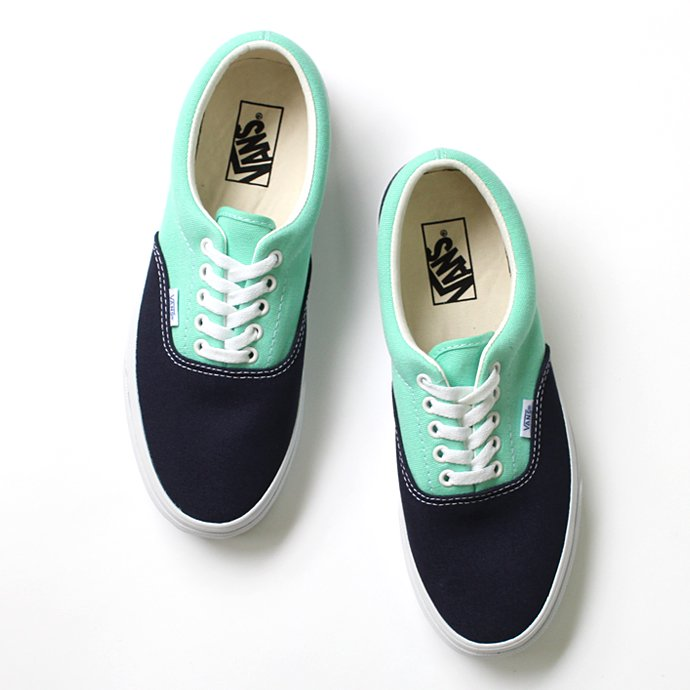 VANS Golden Coast Era - Dress Blues/Cabbage<img class='new_mark_img2' src='//img.shop-pro.jp/img/new/icons47.gif' style='border:none;display:inline;margin:0px;padding:0px;width:auto;' /> 01