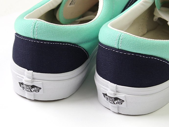 VANS Golden Coast Era - Dress Blues/Cabbage<img class='new_mark_img2' src='//img.shop-pro.jp/img/new/icons47.gif' style='border:none;display:inline;margin:0px;padding:0px;width:auto;' /> 02