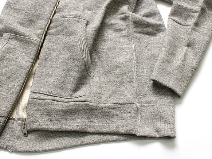 79678518 STILL BY HAND / オリジナル度詰め裏毛 ジップフロント・スウェットパーカー - Grey<img class='new_mark_img2' src='//img.shop-pro.jp/img/new/icons47.gif' style='border:none;display:inline;margin:0px;padding:0px;width:auto;' /> 02