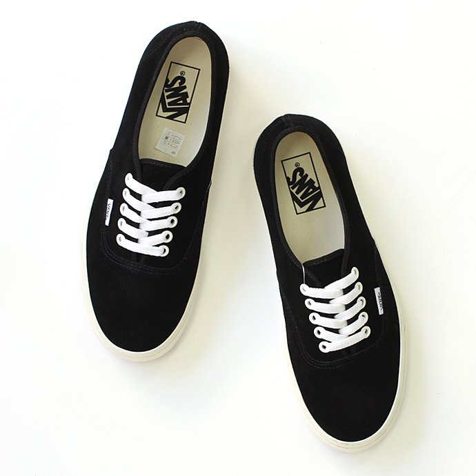 VANS Authentic Suede - Black/Marshmallow<img class='new_mark_img2' src='//img.shop-pro.jp/img/new/icons47.gif' style='border:none;display:inline;margin:0px;padding:0px;width:auto;' /> 01