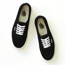 VANS Authentic Suede - Black/Marshmallow<img class='new_mark_img2' src='//img.shop-pro.jp/img/new/icons47.gif' style='border:none;display:inline;margin:0px;padding:0px;width:auto;' />