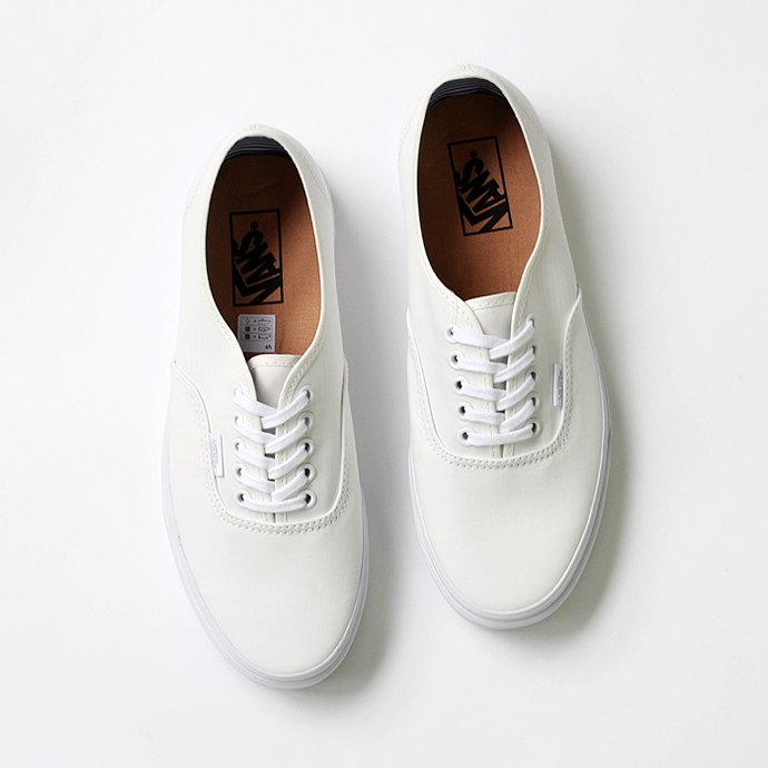 VANS Deck Club Authentic(デッキクラブ オーセンティック)-   Blanc de Blanc<img class='new_mark_img2' src='//img.shop-pro.jp/img/new/icons47.gif' style='border:none;display:inline;margin:0px;padding:0px;width:auto;' /> 01