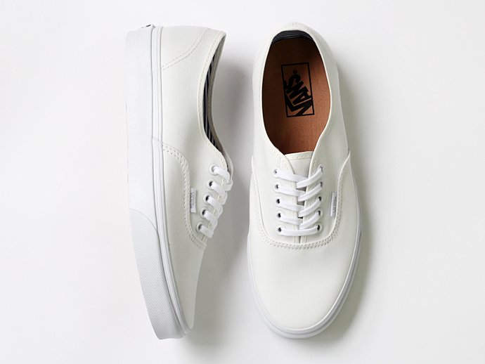 VANS Deck Club Authentic(デッキクラブ オーセンティック)-   Blanc de Blanc<img class='new_mark_img2' src='//img.shop-pro.jp/img/new/icons47.gif' style='border:none;display:inline;margin:0px;padding:0px;width:auto;' /> 02