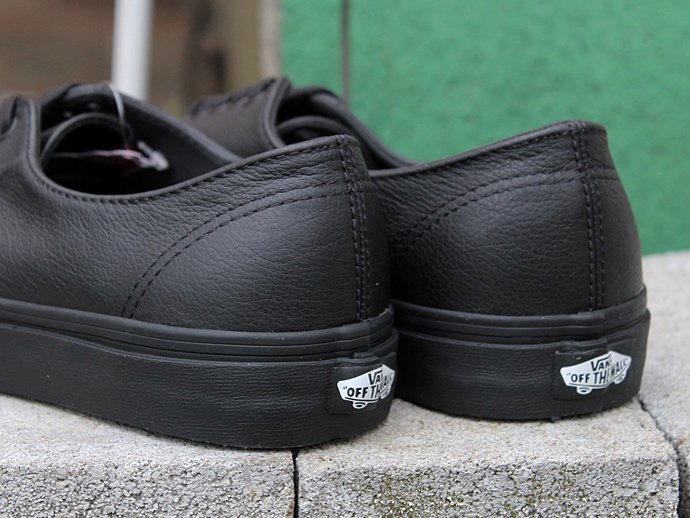 91727772 VANS / Premium Leather Authentic Decon - Black/Black 02