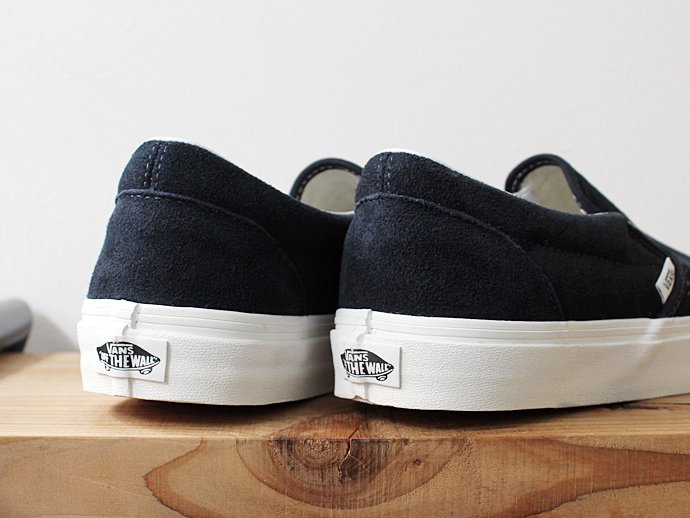 VANS Vintage Suede Slip-On - Blue Graphite/Blanc<img class='new_mark_img2' src='//img.shop-pro.jp/img/new/icons47.gif' style='border:none;display:inline;margin:0px;padding:0px;width:auto;' /> 02