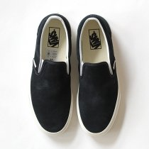 VANS Vintage Suede Slip-On - Blue Graphite/Blanc<img class='new_mark_img2' src='//img.shop-pro.jp/img/new/icons47.gif' style='border:none;display:inline;margin:0px;padding:0px;width:auto;' />