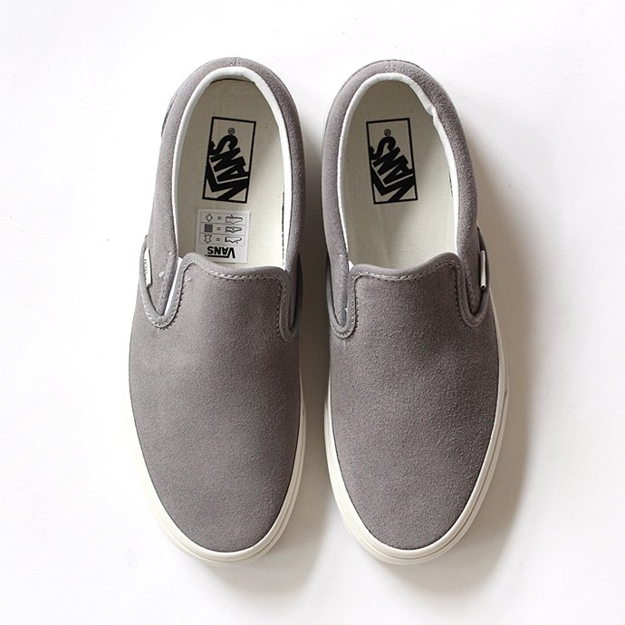 VANS Vintage Suede Slip-On - Frost Gray/Blanc<img class='new_mark_img2' src='//img.shop-pro.jp/img/new/icons47.gif' style='border:none;display:inline;margin:0px;padding:0px;width:auto;' /> 01