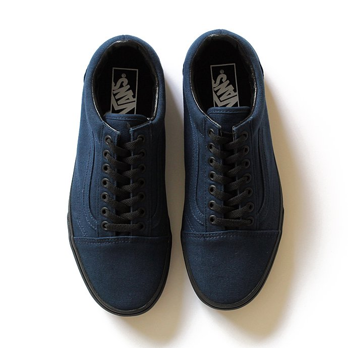 VANS Black Sole Old Skool - Dress Blues<img class='new_mark_img2' src='//img.shop-pro.jp/img/new/icons47.gif' style='border:none;display:inline;margin:0px;padding:0px;width:auto;' /> 01