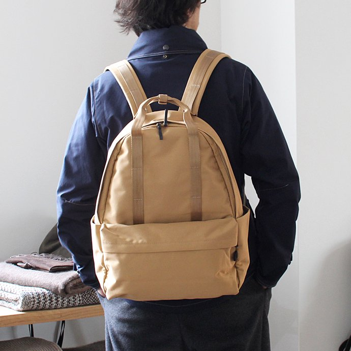 CRAFTED GOODS TRANSMI バックパック - Tan 02