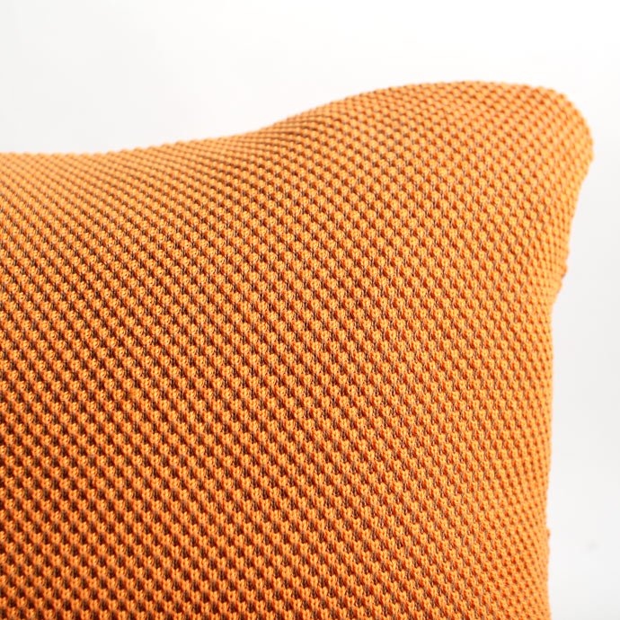 crepuscule crepuscule / ニットクッション - Orange x Beige(オレンジ/ベージュ)<img class='new_mark_img2' src='//img.shop-pro.jp/img/new/icons47.gif' style='border:none;display:inline;margin:0px;padding:0px;width:auto;' /> 02