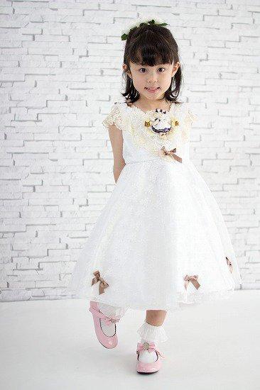 くまちゃんが付いた白いお姫様子供ドレス