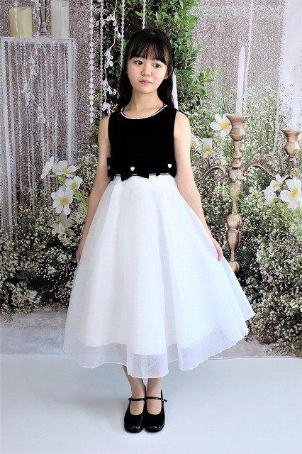 リボンが可愛いベルベットドレス