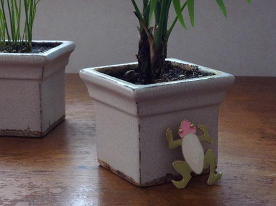 ART(アート)カエルのエナメルブローチ