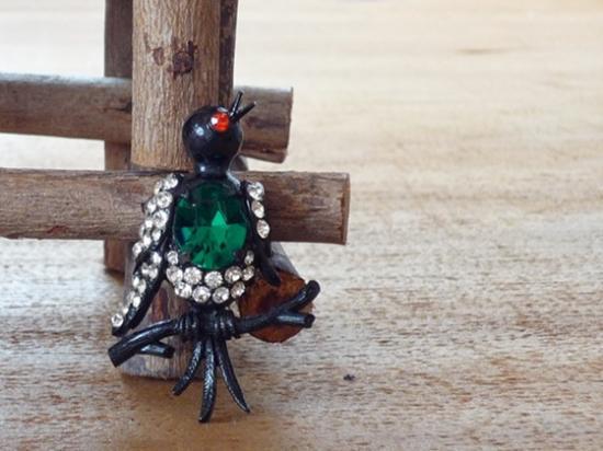 WEISS(ワイス)鳥のブローチ グリーン