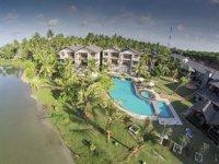 Calamander Bay Resort