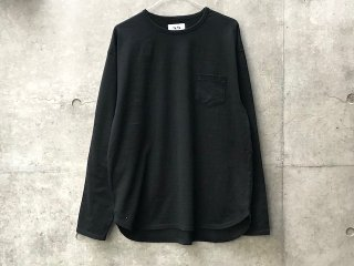 Round pocket long sleeve T-shirts